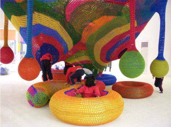 Parque Infantil Hecho Con Ganchillo De La Artista Toshiko